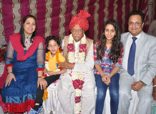 Mahashay Ji with family